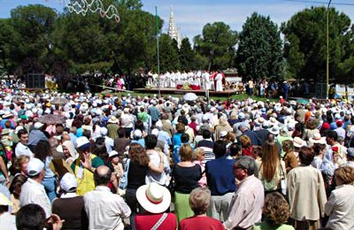Outdoor Mass with the Town Hall