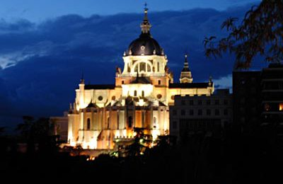 Las Vistillas, with a View of the Almudena Cathedral